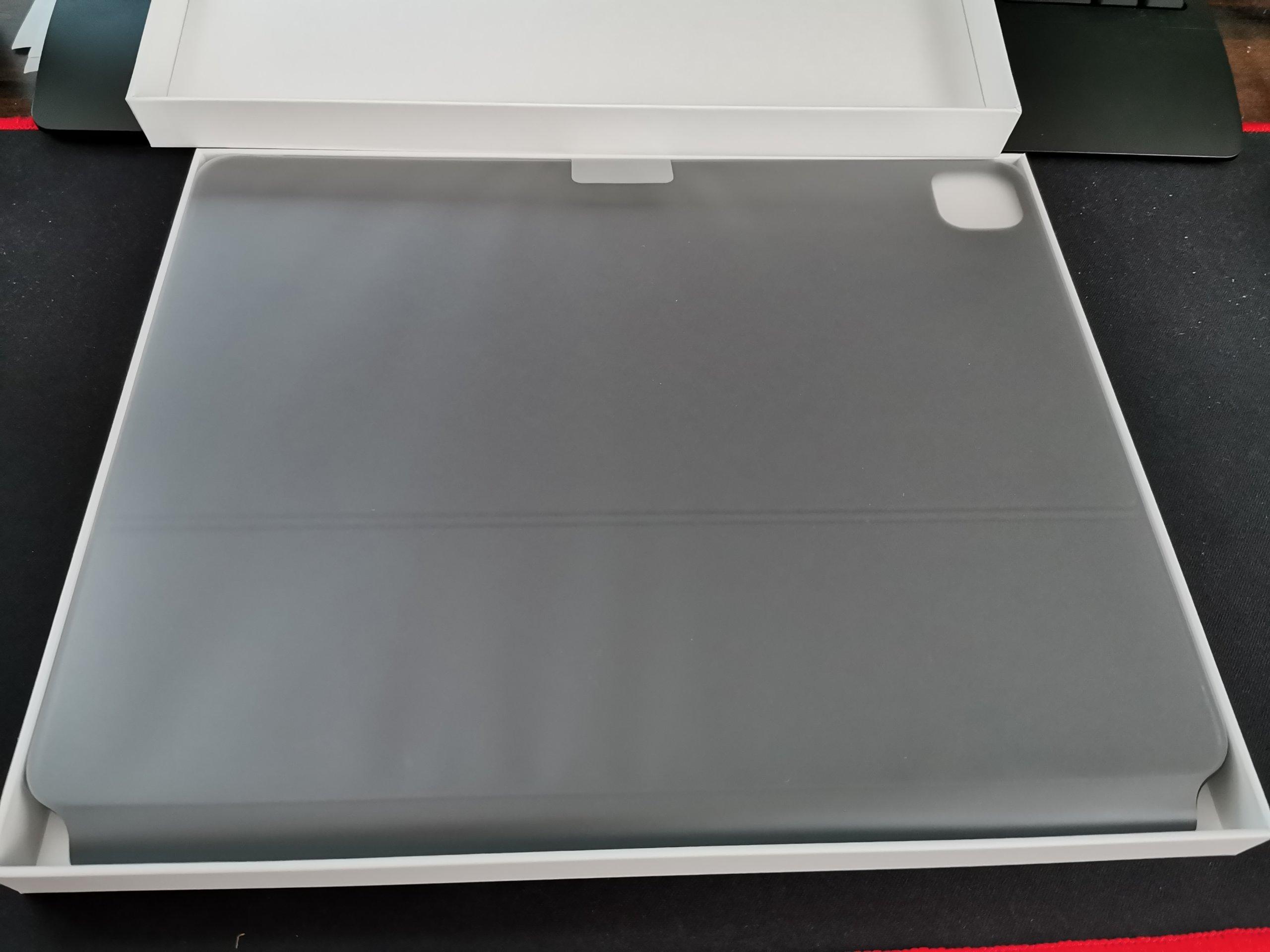 iPad Pro用Magic Keyboardを開封